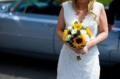 aspect photography bride sunflower bouquet
