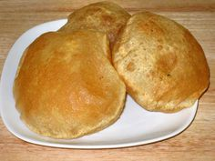 Dear students and friends, When I first came to India in 1987 I tried this dish called Poori (or Puri), a deep-fried Indian bread. Puri Recipes, Indian Food Recipes, Vegetarian Recipes, Bhatura Recipe, Yeast Free Breads, Best Bread Recipe, Flatbread Recipes, Western Food, Spice Cookies