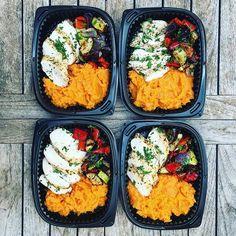 🇮🇨 Uno de nuestros platos favoritos, simple y delicioso ❤️ 😍❤️pechuga de pollo con perejil , salteado de verduras como  puré de patata dulce 🍠❤️🍠❤️🍠❤️🍠🇬🇧One of our favourite ❤️yet most simple #mealprep dishes! Juicy chicken breast with herbs, roasted Mediterranean veggies 🍆🍅 and our fav SWEET POT MASH 🍠❤️🍠❤️🍠❤️🍠❤️🍠❤️🍠 .  .  .  .  .  .  .  .  .  #fitfoodcanarias #mealprep #fitness #gettingbettereveryday #crossfit #mealpreponfleek #healthyfood #healthylunch #nevergiveup…