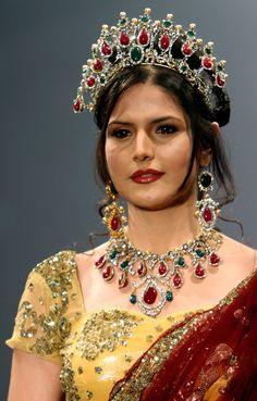Bollywood, Tollywood & Más: Zarine Khan