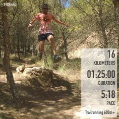 Awesome action trail running shot!