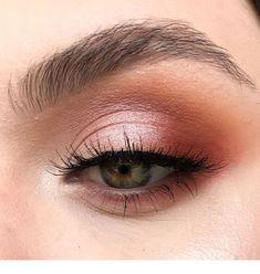 Beauty eye makeup in time Inspiring Ladies Bright Eye Makeup, Dark Eye Makeup, Asian Eye Makeup, Dramatic Eye Makeup, Hooded Eye Makeup, Makeup For Green Eyes, Natural Eye Makeup, Natural Eyes, Eye Makeup Tips
