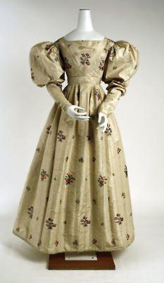 Evening dress, 1828-29    From the Metropolitan Museum of Art