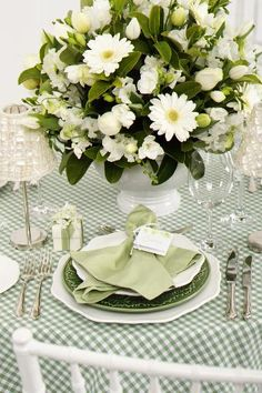 Spring placesetting - for Mothers Day put notes to moms on cards