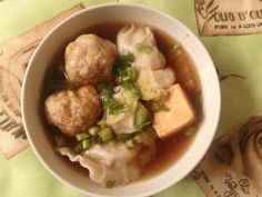 Cocozil - Recipes From Mauritius: Chicken broth to serve with dumplings (Bouillon de poulet pour accompagné le Nukien) with chicken carcass