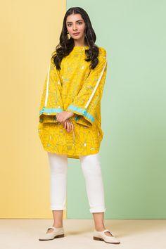 Pakistani Fancy Dresses, Beautiful Pakistani Dresses, Pakistani Fashion Party Wear, Pakistani Dress Design, Stylish Dress Book, Stylish Dresses For Girls, Stylish Dress Designs, Trendy Clothes For Women, Kurti Designs Party Wear