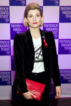 Jodie Whittaker accents her outfit with pops of red at the Terrence Higgins Trust Supper Club in London on Tuesday. Doctor Who, 10th Doctor, Female Celebrity Crush, Cma Awards, Star Track, Thomas Rhett, Melissa Mccarthy, Celebs, Celebrities