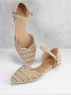 Casual Point Toe Hollow and Scallop Ankle strap Nude Cut Out Detail Scalloped Edge Ankle Strap Flats White Flat Shoes, Fancy Shoes, Crazy Shoes, New Shoes, Cute Shoes, Me Too Shoes, Orange Strappy Heels, Orange Flats, Vintage Shoes Women