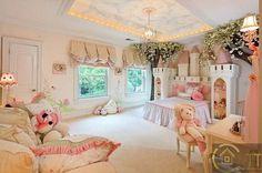 Phòng ngủ đầy màu hồng như một công chúa thực sự
