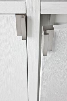 Interior design - detail - placard - ouverture - porte - poignée - bois - aluminium