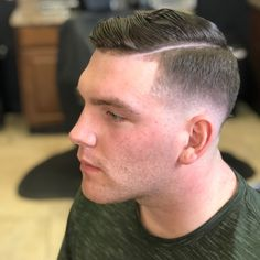 25 Best Hairstyles for a Receding Hairline - Men's Hairstyles Mens Hairstyles Thin Hair, Wavy Hair Men, Cool Hairstyles, Medium Hairstyles, Wedding Hairstyles, Receding Hairline Styles, Haircuts For Receding Hairline, Short Fade Haircut, Comb Over Haircut