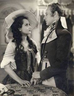 Merle Oberon and Leslie Howard in The Scarlet Pimpernel 1934
