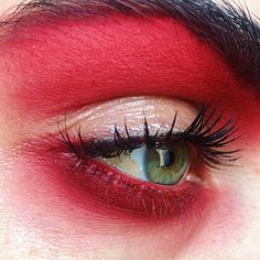 Long-term makeup, also called cosmetic tattooing, is ending up being quite popular, but there are things you should understand prior to having the treatment done. Makeup Goals, Makeup Inspo, Makeup Art, Makeup Eyeshadow, Makeup Inspiration, Beauty Makeup, Glossy Makeup, Dark Makeup, Cool Makeup Looks