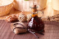 Vanilla is an amazing herb. You can save lots of money and have fun making homemade vanilla extract. Try this vanilla extract recipe. Vanilla Extract Recipe, Vanilla Oil, Vanilla Recipes, Bourbon Vanille, Remedies For Tooth Ache, Home Remedies For Heartburn, Heartburn Relief, Marshmallow Root, Gifts