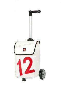 Luv 12 -rote Zahl Taschenroller eignen sich für den Weg zum Lebensmittelladen ebenso, wie für Reisen mit Bahn oder Bus. Die geräumige Segeltuchtasche aus weißem oder wahlweise braunem Segel bietet dabei genügend Platz für große und schwere Dinge. In typischer 360° Qualität ist die Tasche mit Innentaschen versehen, robust vernäht und wasserabweisend.