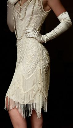 http://www.oohmrsjames.com/wedding-dresses/the-charleston-cream-bone/