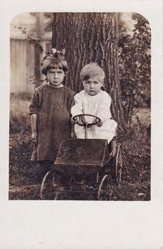 Grumpy siblings old toy car Vintage Children Photos, Vintage Pictures, Old Pictures, Vintage Images, Old Photos, Antique Photos, Vintage Photographs, Vintage Postcards, Vintage Cards