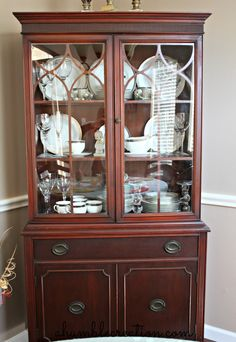 FINALLY found a picture of how to arrange my dining cabinet!!! duncan+phyfe+china+cabinet.jpg (1101×1600)