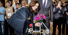 Crown Princess Mary of Denmark visited the First Lego League Scandinavia on 1 December 2014.