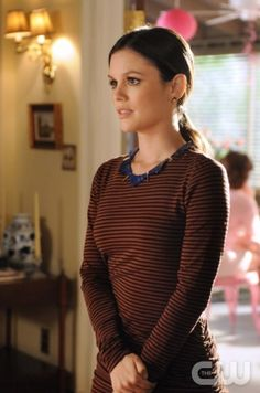 """Hells Belles"" - Pictured: Rachel Bilson as Dr. Zoe Hart. Photo: Mike Yarish / The CW ©2011 The CW Network. All Rights Reserved."