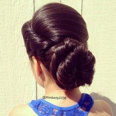 Simple nd elegant hair style for midlength to long hair