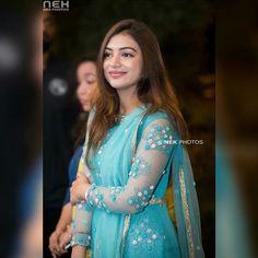 Beauty Pictures: Nazriya Nazim Kerala Bride, South Indian Bride, South Indian Actress Photo, Nazriya Nazim, Tamil Brides, Party Sarees, Stylish Girl Pic, Half Saree, Beautiful Saree