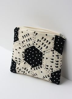 quilted pouch with the line Comma by Brigitte Heitland of Zen chic for Moda