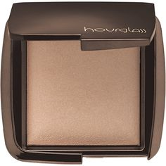 If airbrushing was a product. Hourglass Ambient Lighting Powder - Dim Light.