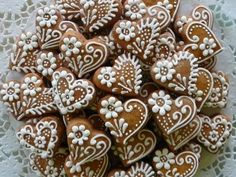 Valentinské perníčky a preclíčky Honey Cookies, Iced Cookies, Royal Icing Cookies, Fun Cookies, Cupcake Cookies, Sugar Cookies, Cookies Et Biscuits, Heart Cookies, Decorated Cookies