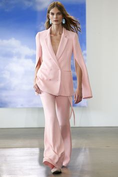 See the entire Spring 2018 collection from Hellessy.