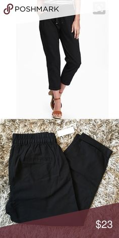 Old Navy Drawstring Tapered Cropped Pants Petite 2 Brand new with tags. Very comfy. Color: black. Size petite 2. 100% cotton. Old Navy Pants Ankle & Cropped