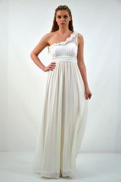 d899e510a154 Οι 27 καλύτερες εικόνες του πίνακα Νυφικά Φορέματα | Ballroom dress ...