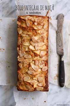 Whole Apple and Almond Cake - Desserts City Cafe Food, Food Menu, Other Recipes, Sweet Recipes, Cookbook Recipes, Vegan Recipes, Good Food, Yummy Food, Foods With Gluten