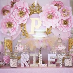 Princess themed pink and gold baby shower party! See more party planning ideas a. - Baby Shower Party Planning Ideas - Baby Tips Baby Girl Shower Themes, Baby Shower Princess, Baby Boy Shower, Princess Theme, Princess Birthday, Girl Birthday, Birthday Ideas, Shower Party, Baby Shower Parties
