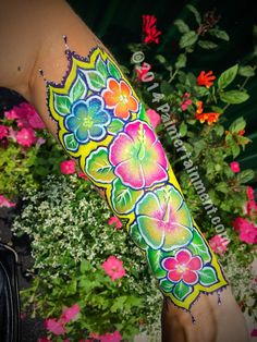 I've just completed another fantastic year at the Carver County Fair! Here are a few photos from the week, in case you weren't already follo. Face Painting Flowers, Leg Painting, Belly Painting, Paint Flowers, Rock Painting, Painting Inspiration, Makeup Inspiration, County Fair, Hand Art