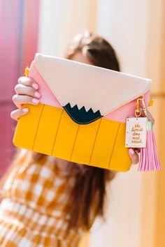 Can't Clutch This: July – Bags Foldover Clutch, Clutch Purse, Diy Clutch, School Supplies, Craft Supplies, Diy Cans, Diy Fashion, Street Fashion, Tokyo Fashion
