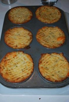 Mashed Potato Muffins - Made these tonight and loved them!! Seriously this is one pinterest recipe I actually tried! :)