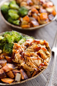 BBQ Chicken & Roasted Sweet Potato Bowls are a hearty and healthy dinner idea bursting with bold flavors and nutritious vegetables. This easy sheet pan recipe is perfect for meal prepping lunches for work or a quick weeknight meal. Lunch Meal Prep, Meal Prep Bowls, Easy Meal Prep, Healthy Meal Prep, Healthy Dinner Recipes, Easy Meals, Cooking Recipes, Easy Work Lunches Healthy, Cheap Easy Healthy Meals