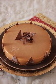 Entremets Le Breton4 Patisserie Fine, French Patisserie, Mousse Caramel, Pumpkin Smoothie, Modern Cakes, Thermomix Desserts, Foods To Eat, Something Sweet, Cakes And More