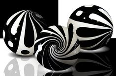 Kris Parke, of Cortland, Ohio joins the marvelous marble artists who show their work at indigenous! These black and white graphic marbles are the perfect addition to every marble collection or an amazing beginning.