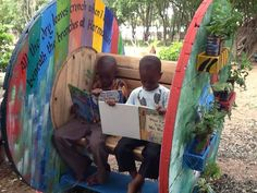 Banca infantil hecha con bobina de cable.  #FacilisimoconWoox #DIY #Reciclar