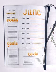20+ Beautiful Summer Bullet Journal Spread Ideas! Inspiration for your weekly and monthly summer bullet journal spreads. Organize all of your summer plans using your bullet journal with these beautiful spreads!