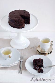Liebesbotschaft: Die beste Schokoladentorte, die du jemals gegessen hast. Oh ja. -vegan -glutenfrei -zuckerfrei
