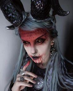 Demon Makeup, Creepy Makeup, Beautiful Dark Art, Alternative Makeup, Gothic Models, Glamour Makeup, Gothic Earrings, Gothic Makeup, Cosplay Characters