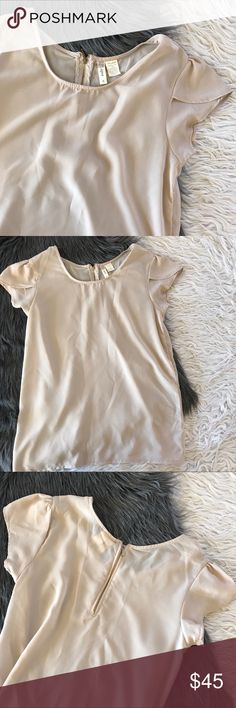 Anthropologie nude top Good condition • Open to offers via button   ✨ⓄⒻⒻⒺⓇⓈ✨ⓄⒻⒻⒺⓇⓈ✨ Anthropologie Tops