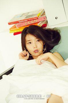 IU: Nạn nhân điển hình bị nhấn chìm bất công bởi bàn tay của netizen Hàn - Ảnh 1.