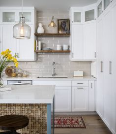 A gray backsplash grounds a softly lit kitchen. Bohemian Kitchen, Rustic Kitchen, New Kitchen, Grey Backsplash, Kitchen Backsplash, Backsplash Ideas, Kitchen Models, Best Kitchen Designs, Kitchen Images