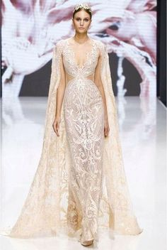 Michael Cinco is the first Filipino to unveil a haute couture collection in Paris Fashion Week Check out his stunning collection of dresses here! Michael Cinco Couture, Michael Cinco Gowns, Evening Dresses, Formal Dresses, Wedding Dresses, Looks Style, Beautiful Gowns, Dream Dress, Occasion Dresses