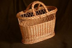Handwoven sturdy willow handbag, made to order.  DIMENSIONS: top: 43 x 24 cm / 17 x 9.5  bottom: 38 x 18 cm / 15 x 7  height: 28 cm / 11  depth: 24.5 cm / 9.5  handles: 16 x 14 cm / 6.5 x 5.5   ----------------------------------  More handled shopping baskets we make: https://www.etsy.com/shop/WillowSouvenir?ref=hdr_shop_menu§ion_id=16515802  ----------------------------------  COLOR/FINISH explanation:  Undyed/Natural means the natural color of the willow, with no finish (most of items in…