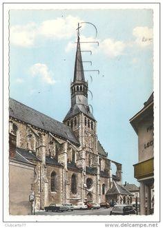 Bonneval (28) : Le Parking De L'église Pris Du Magasin En 1960 (animé) GF